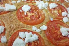Fritatta z pomidorami i mozarellą